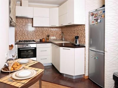 Malá paneláková kuchyně, zdroj: shutterstock.com